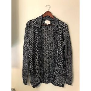Skies Are Blue black cardigan | size small